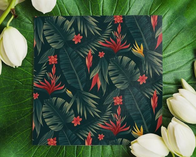 Maqueta de carta con fondo floral