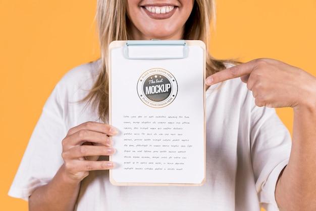 Maqueta de cartel de explotación de mujer