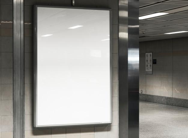 Maqueta de cartelera en blanco