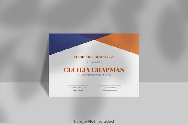 Maqueta de certificado elegante con superposición de sombras