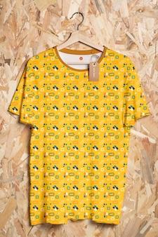 Maqueta de concepto de camisa colorida