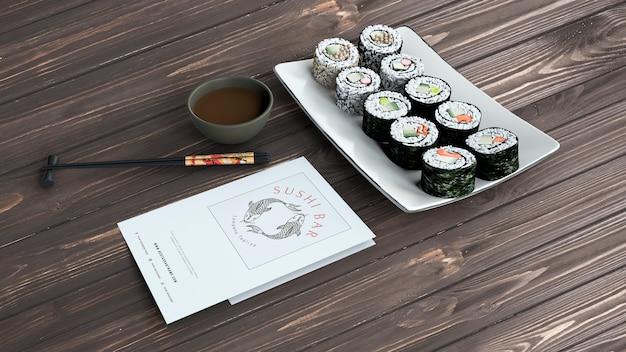Maqueta creativa de menú de bar de sushi