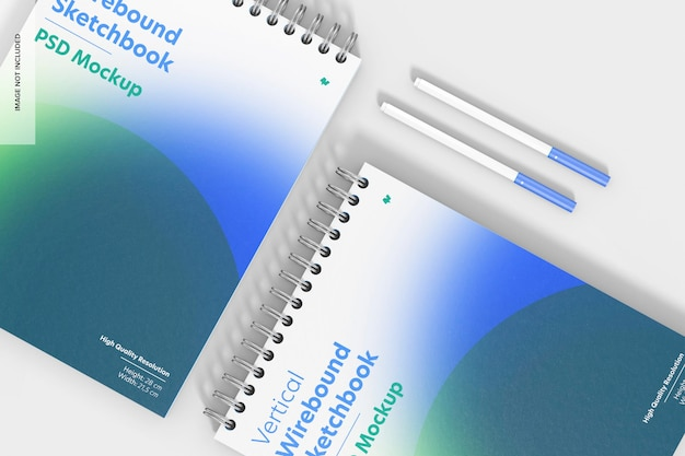 Maqueta de cuaderno de bocetos encuadernado con alambre vertical, primer plano