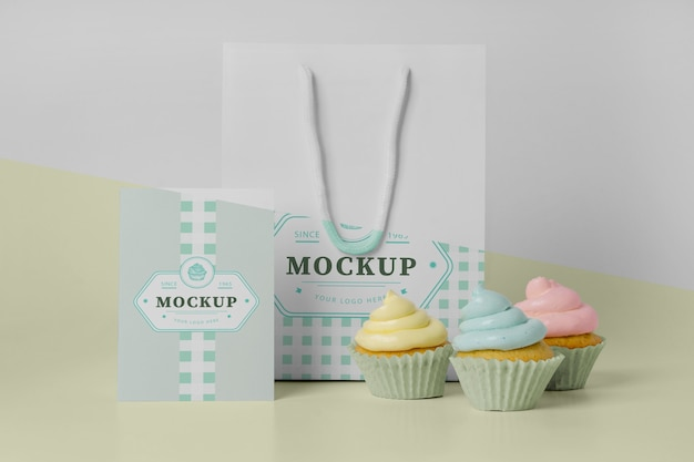 Maqueta de delicioso cupcake
