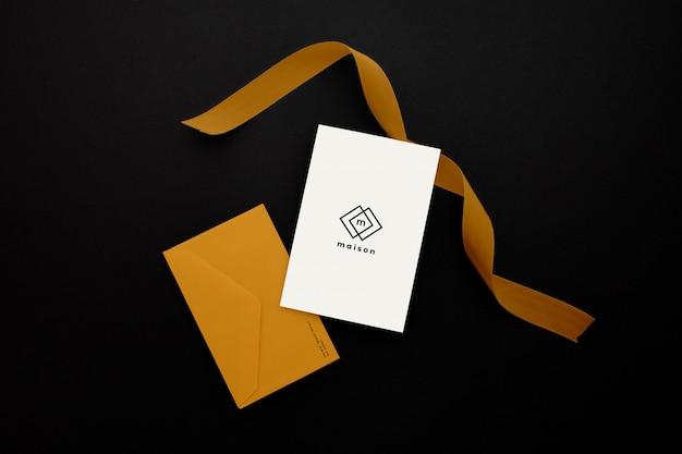 Maqueta de diseño de sobres de papel