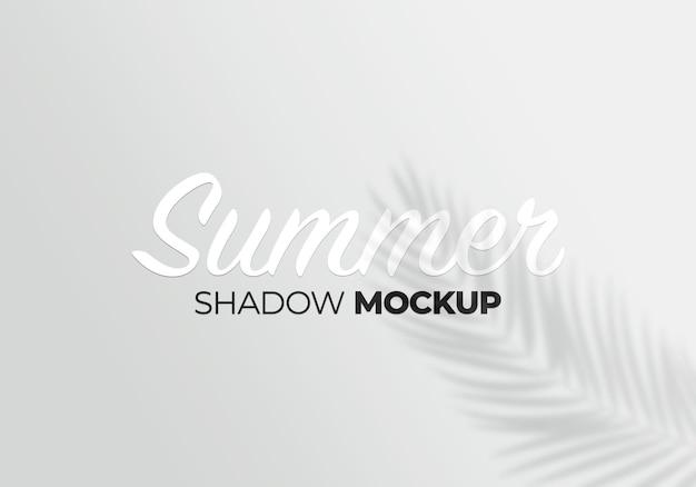 Maqueta de efectos de superposición de sombras con fondo de hojas tropicales