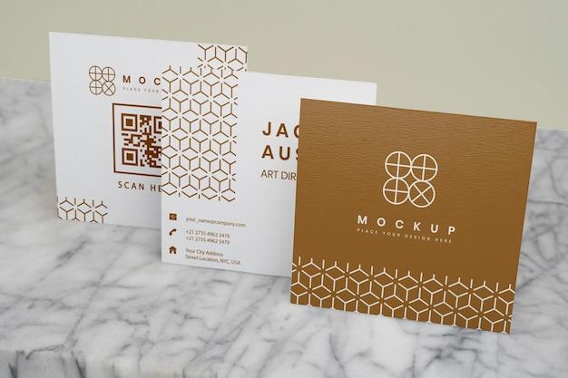 Maqueta elegante para la composición de tarjetas de presentación corporativas