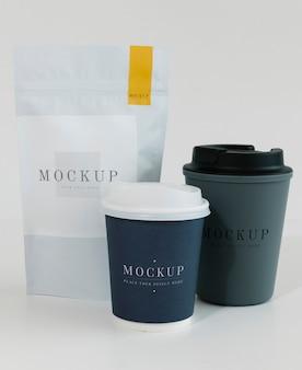Maqueta de embalaje para una cafetería.