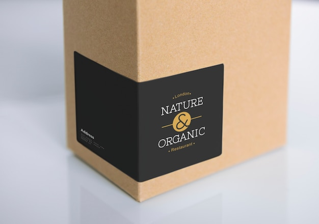 Maqueta de embalaje de caja de papel natural