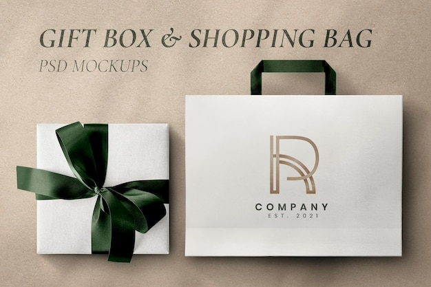 Maqueta de embalaje de lujo psd con caja de regalo y bolsa.