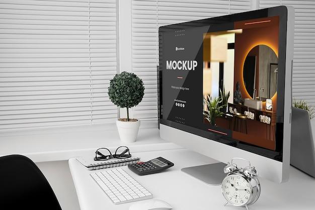 Maqueta de escritorio de oficina con computadora