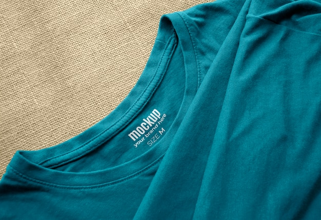 Maqueta de etiqueta impresa interior de camiseta