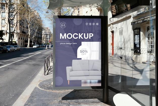Maqueta de exhibición de vallas publicitarias en la calle en el exterior