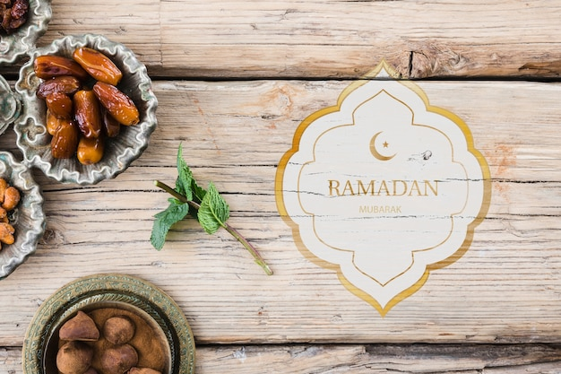 Maqueta flat lay de ramadan para logo