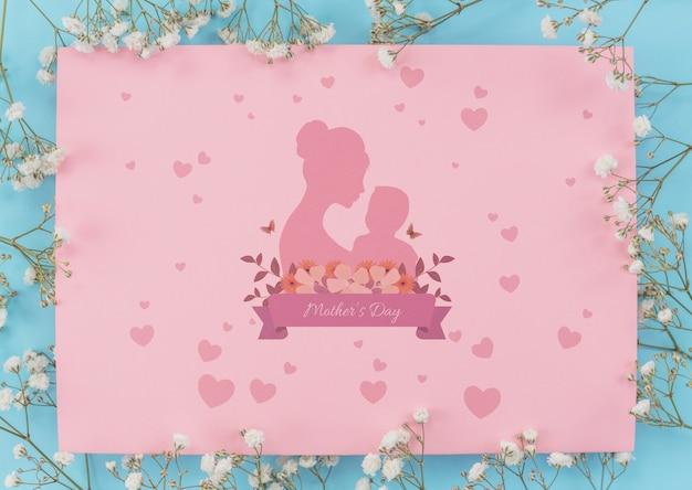 Maqueta flat lay de tarjeta del día de la madre