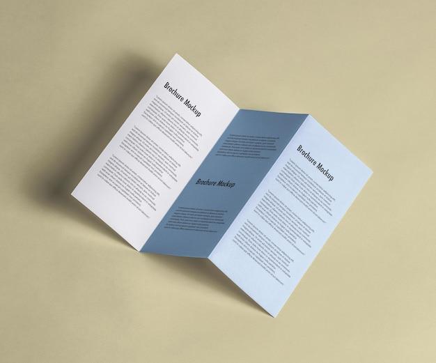 Maqueta de folleto plegado en z