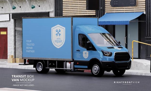 Maqueta de furgoneta de caja de tránsito en la calle desde la vista frontal derecha