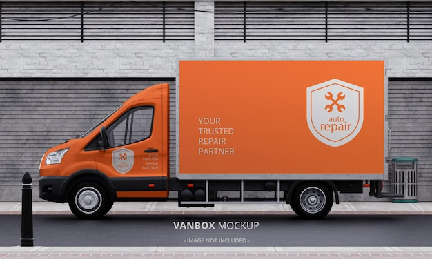 Maqueta de furgoneta de caja de tránsito realista en la calle desde la vista lateral izquierda