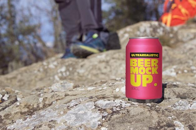 Maqueta de lata de cerveza de montaña