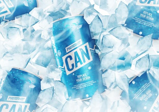 Maqueta de lata de refresco con cubitos de hielo
