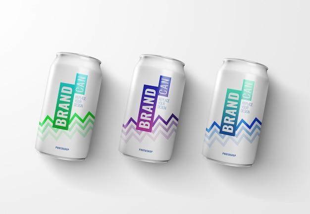 Maqueta de latas de refresco representación 3d realista