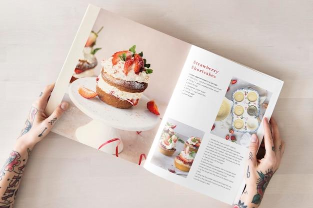 Maqueta de libro de cocina con recetas de postres.