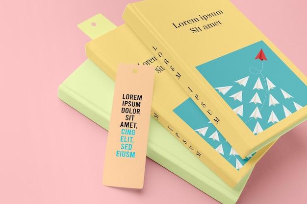 Maqueta de libros y marcadores