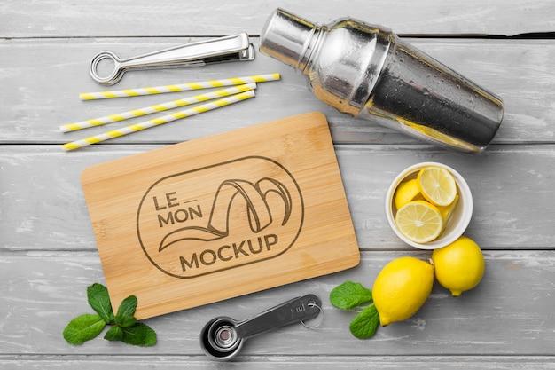 Maqueta de limón y coctelera