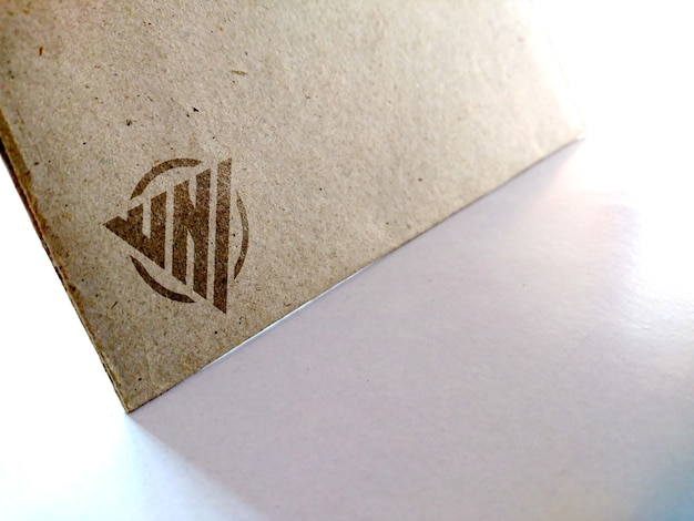 Maqueta de logo en papel