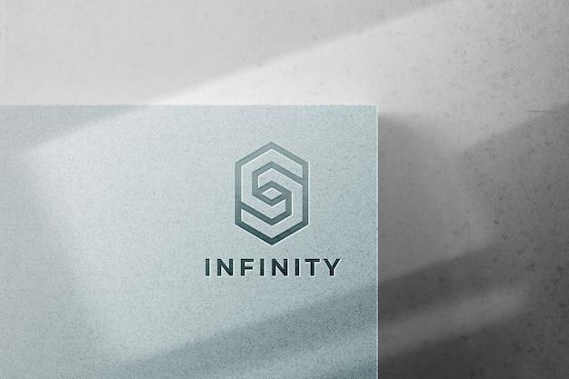 Maqueta de logo en relieve