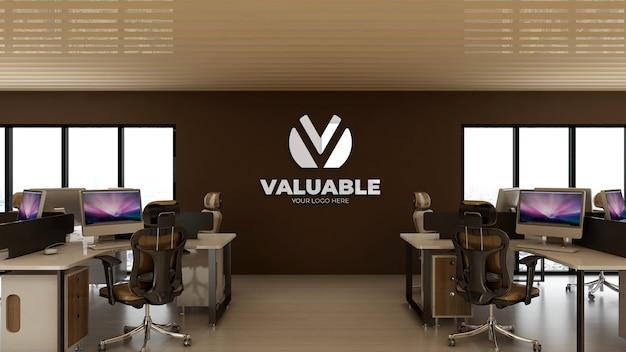 Maqueta de logotipo 3d en el lugar de trabajo de oficina con escritorio para computadora