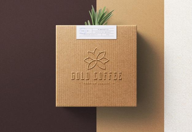 Maqueta de logotipo en caja de café