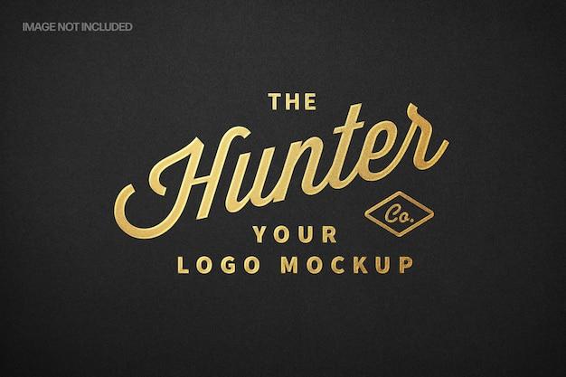 Maqueta de logotipo de letras de lámina de oro