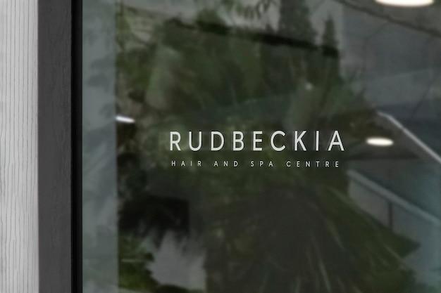Maqueta de logotipo de letrero de ventana de spa