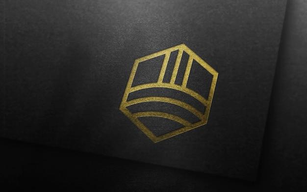 Maqueta de logotipo de lujo en tarjeta negra 3d