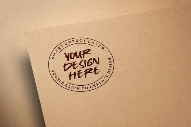 Maqueta de logotipo en papel artesanal