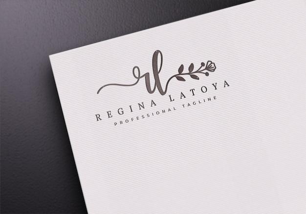 Maqueta de logotipo de papel blanco