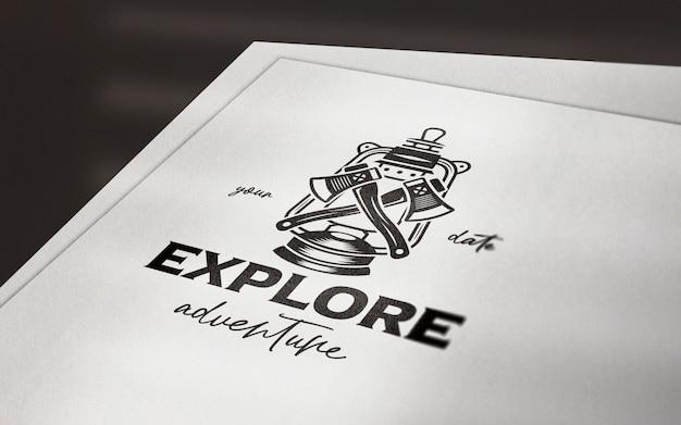 Maqueta de logotipo de papel de perspectiva limpia