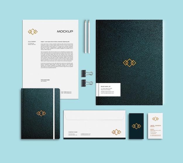 Maqueta de logotipo de papelería de marca plana