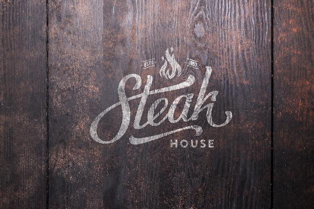 Maqueta de logotipo parrilla de madera