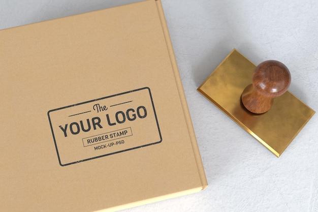 Maqueta de logotipo de sello de goma
