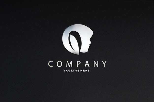 Maqueta de logotipo de signo de cromo de belleza de lujo