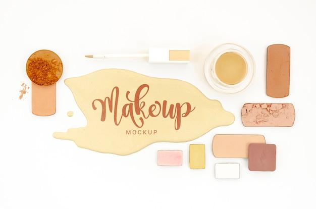 Maqueta de maquillaje con sombras de ojos