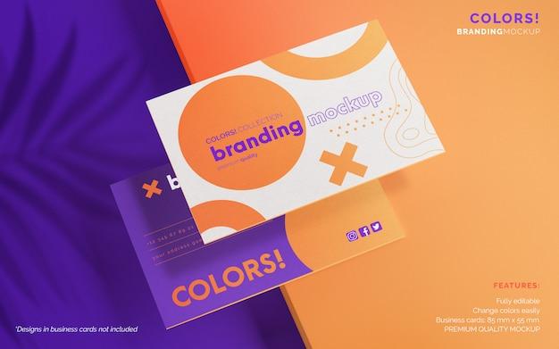 Maqueta de marca moderna con tarjetas de visita
