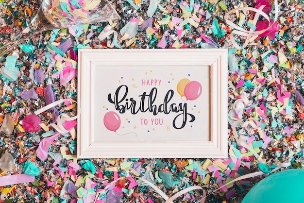 Maqueta de marco de cumpleaños con letras