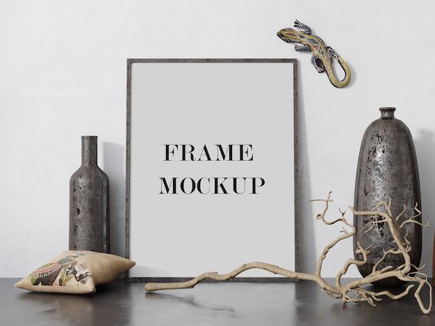 Maqueta de marco de fotos junto a jarrones antiguos