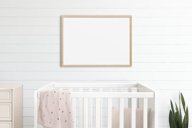Maqueta de marco de imagen psd que cuelga en el interior de la decoración del hogar de la habitación de la guardería