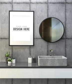 Maqueta de marco de póster en el interior del baño