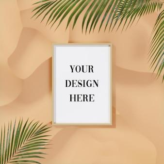 Maqueta de marco sobre fondo de arena tropical