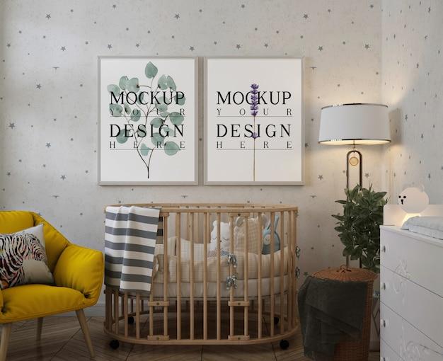 Maqueta de marcos de fotos en la habitación moderna del bebé
